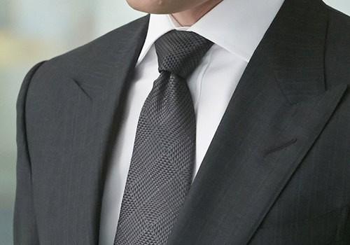 کراوات ساده و تیره