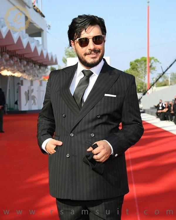 کت شلوار جواد عزتی در جشنواره ونیز - سرای پادشاهان آرسام