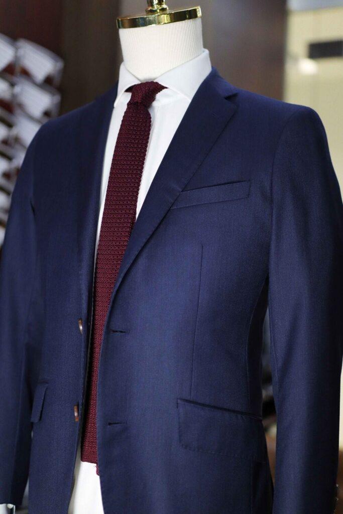 رنگ کت شلوار دیپلمات