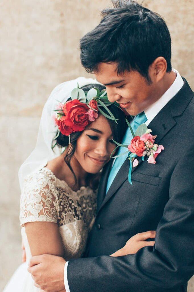 نمادهای مشترک در ست کت شلوار داماد با عروس
