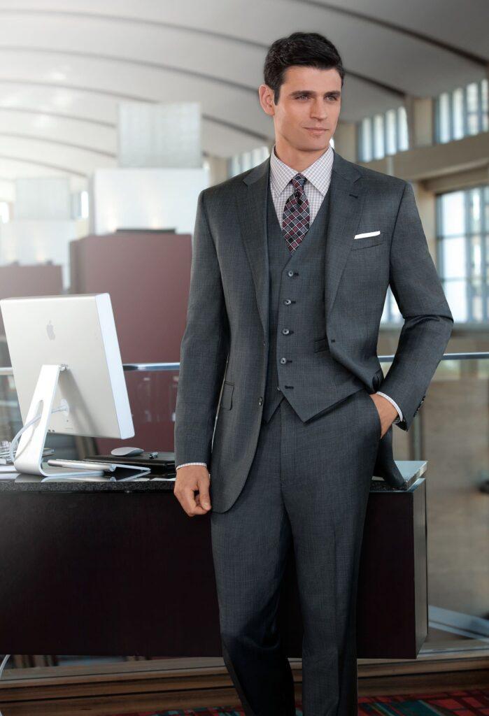 خرید کت شلوار برای کارمندان بانک
