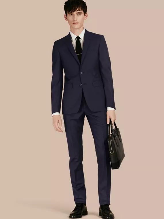 کت شلوار برای مردان لاغر و قد بلند