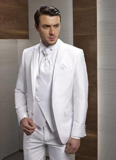 کت شلوار سفید مناسب برای دامادی