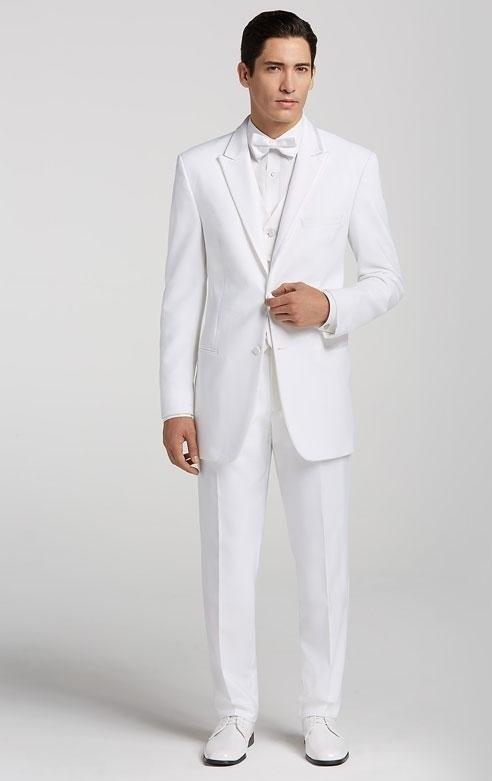کت سفید بلند و کشیده برای افرادی با بالا تنه کوتاه