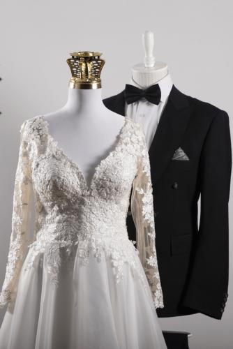 دوخت لباس عروس و داماد